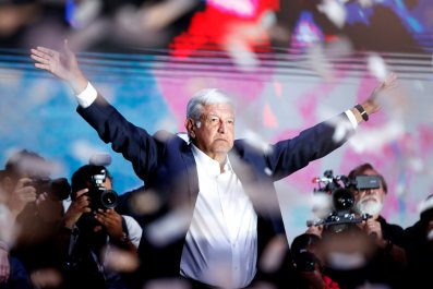 2018-07-02T064621Z_2137312694_RC1A71135450_RTRMADP_3_MEXICO-ELECTION