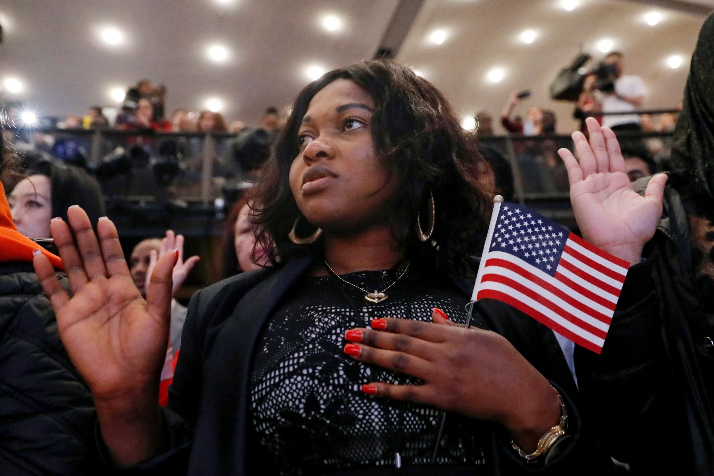 More Than 14,000 Immigrants to Be Sworn In as New U S  Citizens