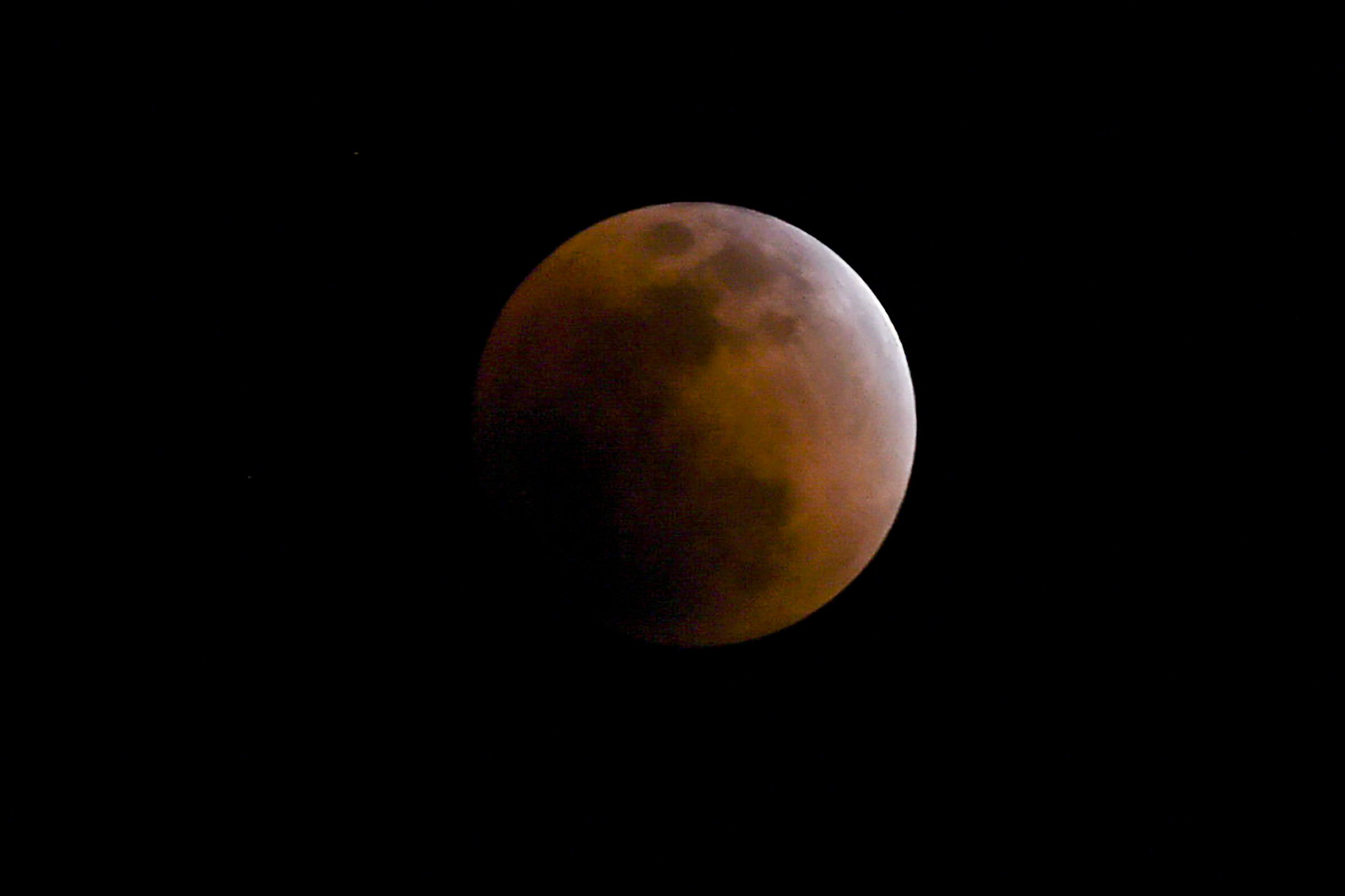 7_4_Lunar eclipse