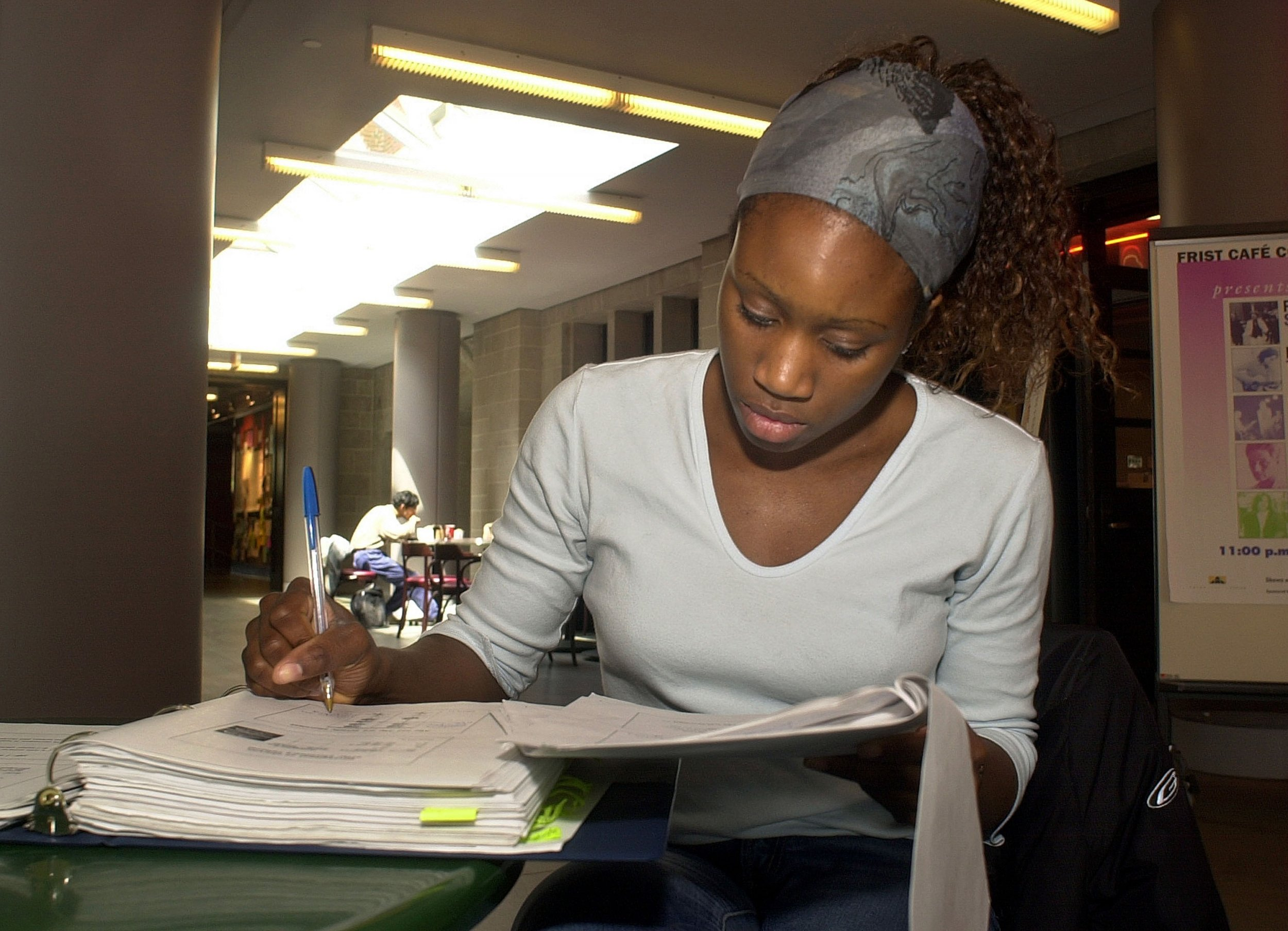 Black Women Graduate With Most U S Student Loan Debt Study Says