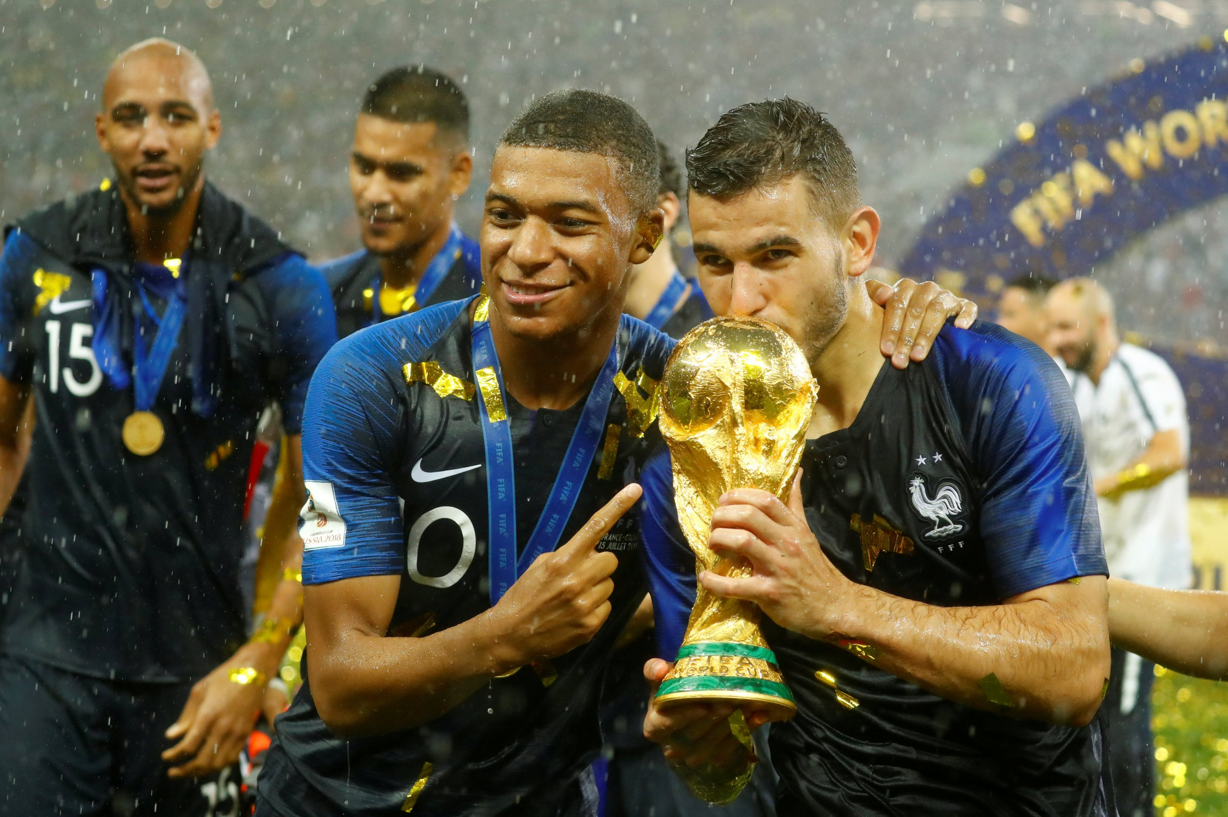 2018-07-15T180235Z_1105683554_RC135F3BD900_RTRMADP_3_SOCCER-WORLDCUP-FINAL