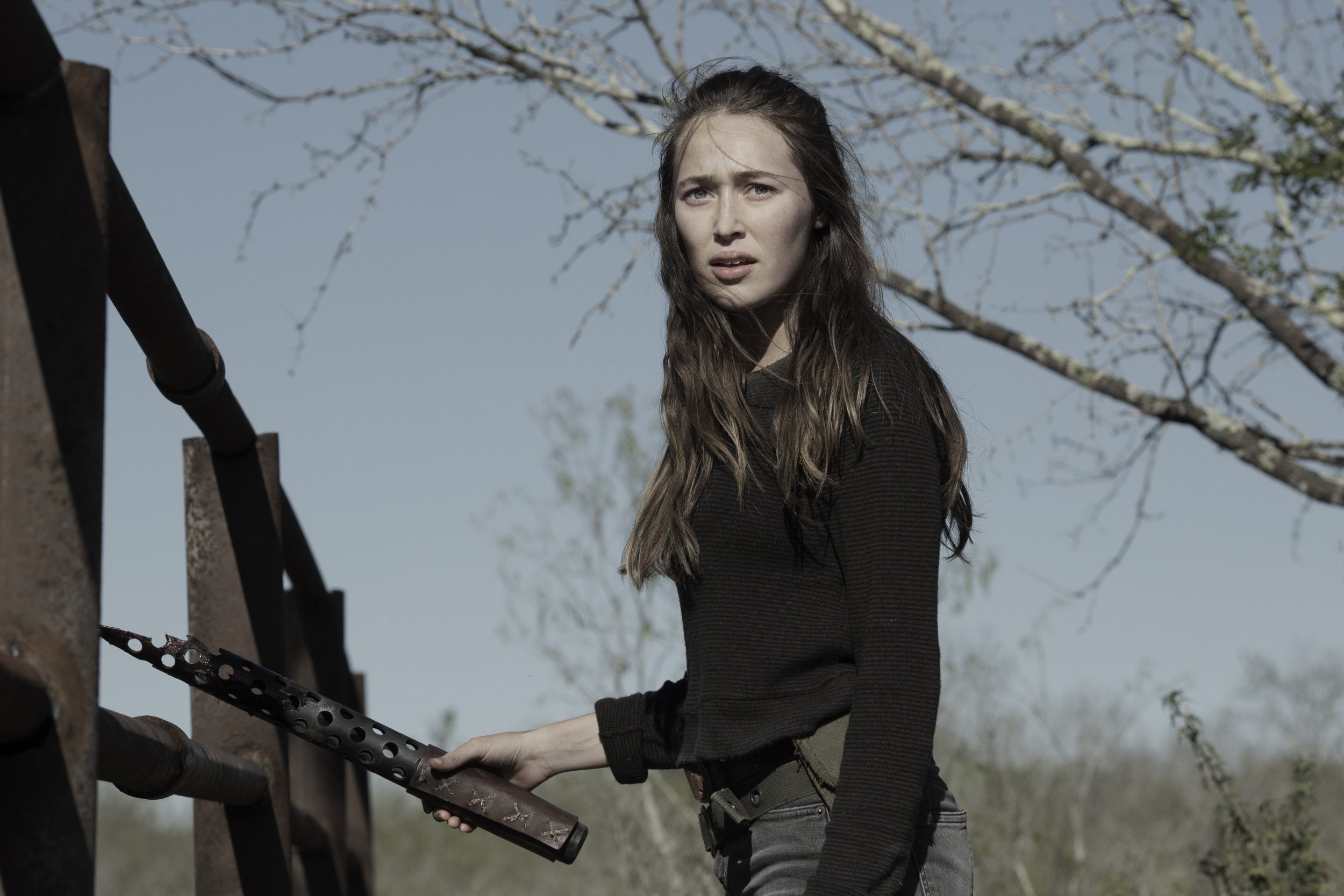 Fear The Walking Dead Season 4b Storm Trailer Premieres