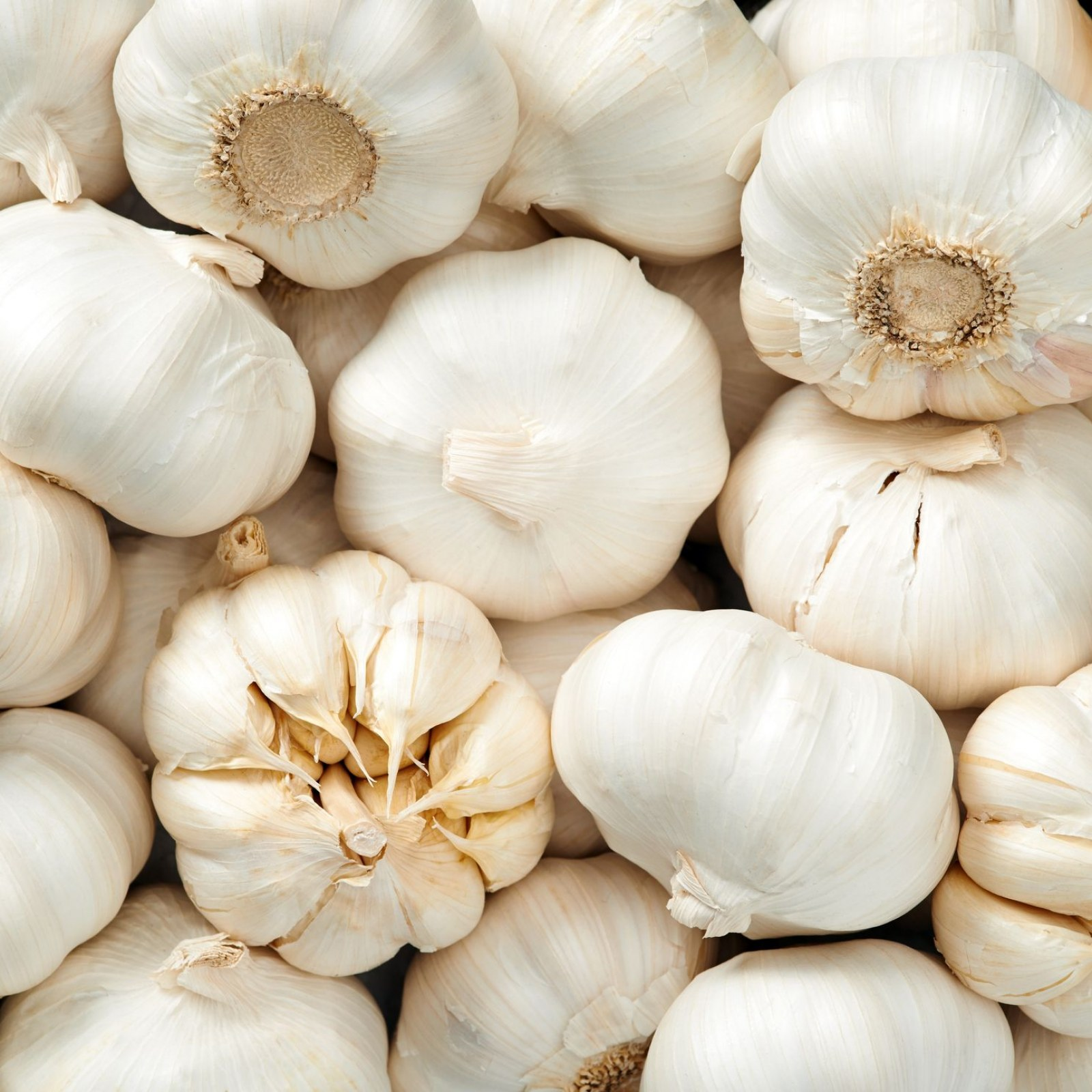 Garlic Burned Through Woman S Toe In Athlete S Foot Home Remedy