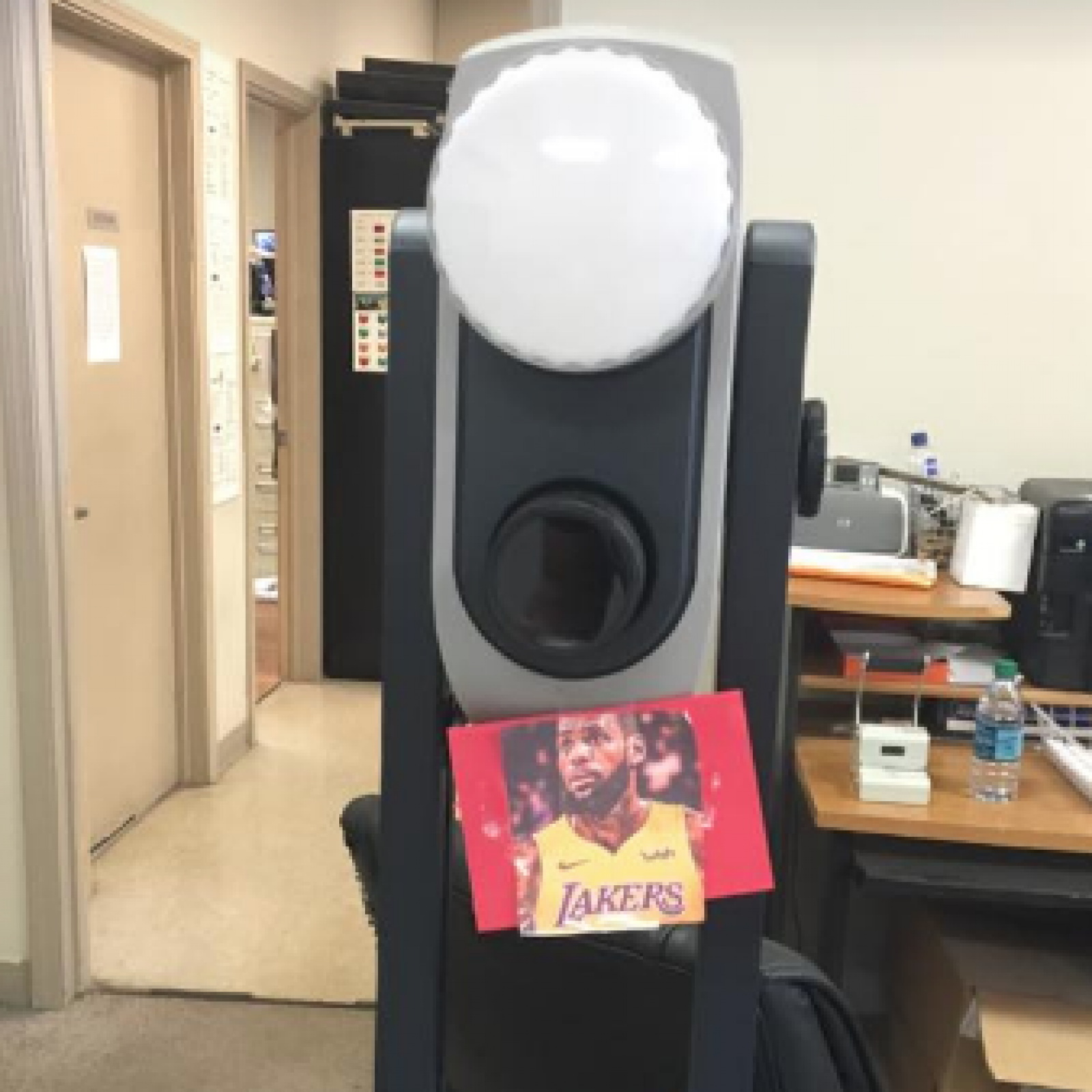 Bmv Akron Ohio >> Cleveland Bmv Uses Lebron James Lakers Jersey Photo To