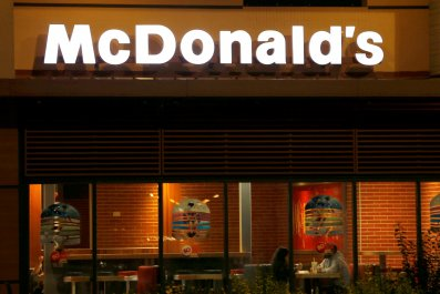 McDonald's Employees fight customer over soda
