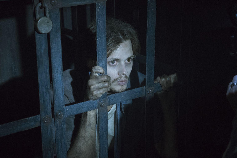 Bill Skarsgard is a Mystery Man in 'Castle Rock'