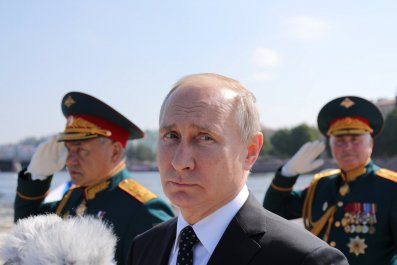 2018-07-29T102513Z_1674241168_RC1250205BF0_RTRMADP_3_RUSSIA-NAVY-DAY-PARADE-PUTIN