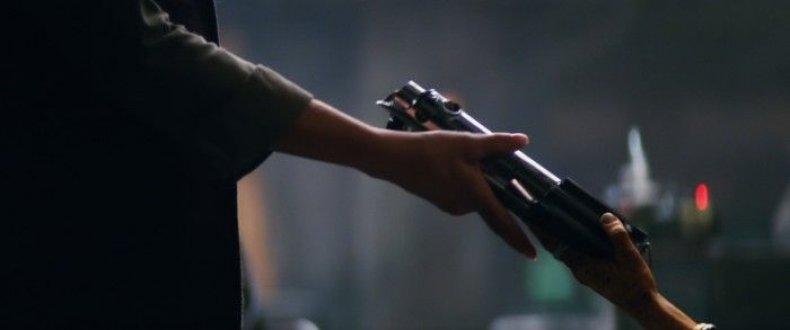 Star-Wars-The-Force-Awakens-general-leia-maz-kanata-700x293