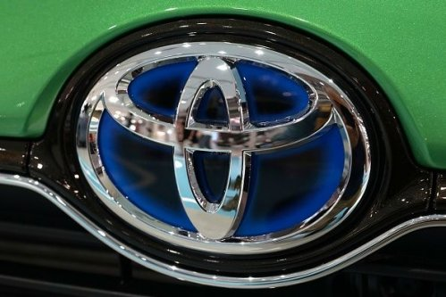 Subaru, Toyota Recall Over 400,000 Vehicles for Faulty Engine Part
