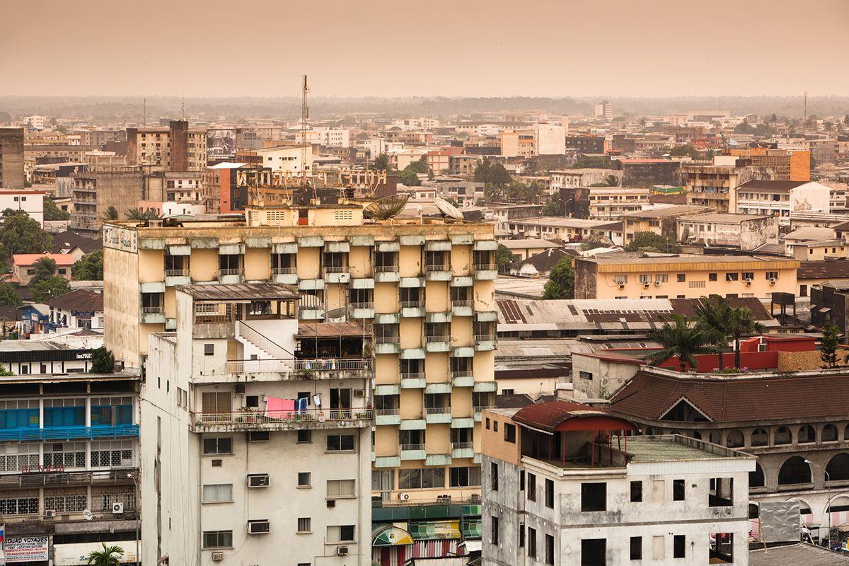 06 Douala