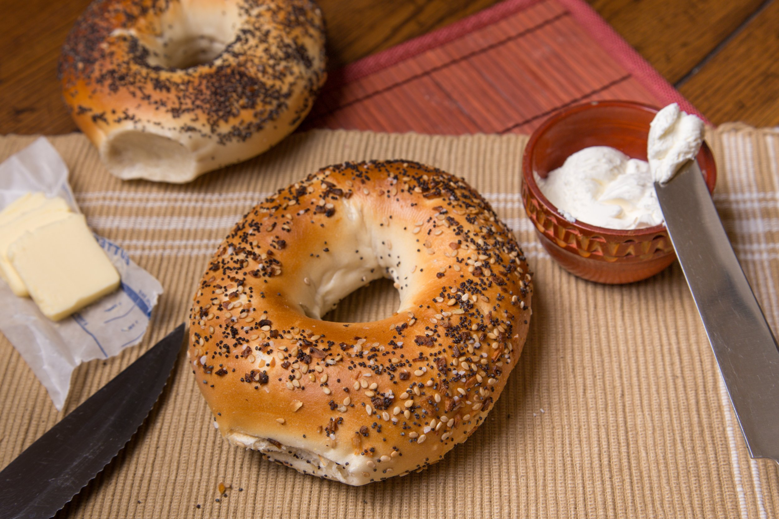 poppy-seed-bagel-stock