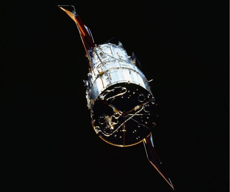 8_8_Hubble Space Telescope