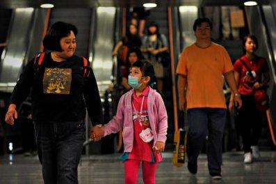 0809-HongKongSubwayFacemask