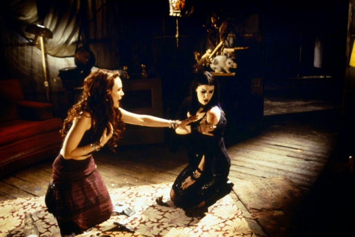 6 blair-witch-2-book-of-shadows-image