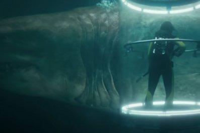 the-meg-shark-cage-jason-statham-megalodon-movie