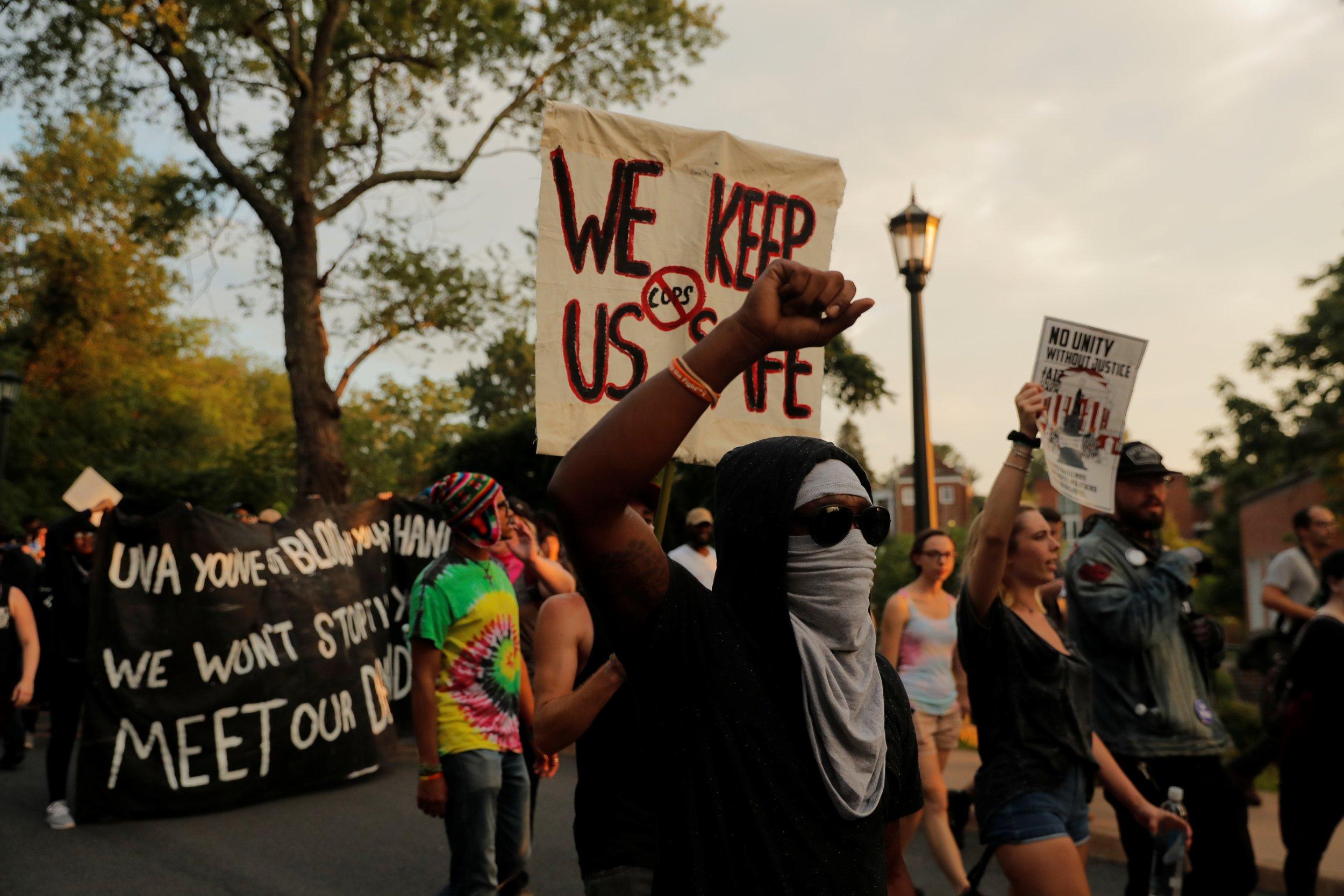 2018-08-12T030838Z_1_LYNXMPEE7B03I_RTROPTP_4_USA-PROTESTS