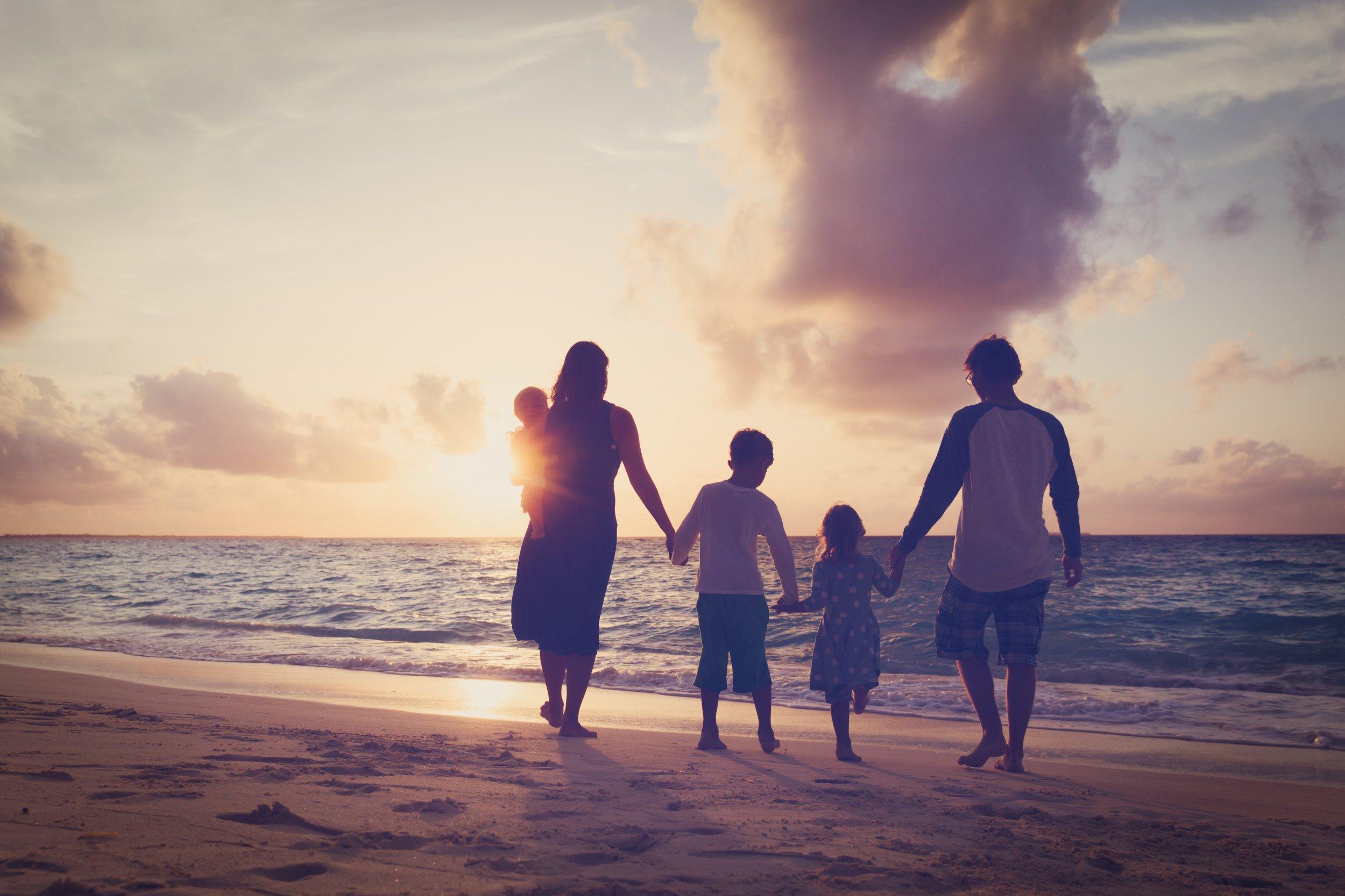 8_13_Family holiday