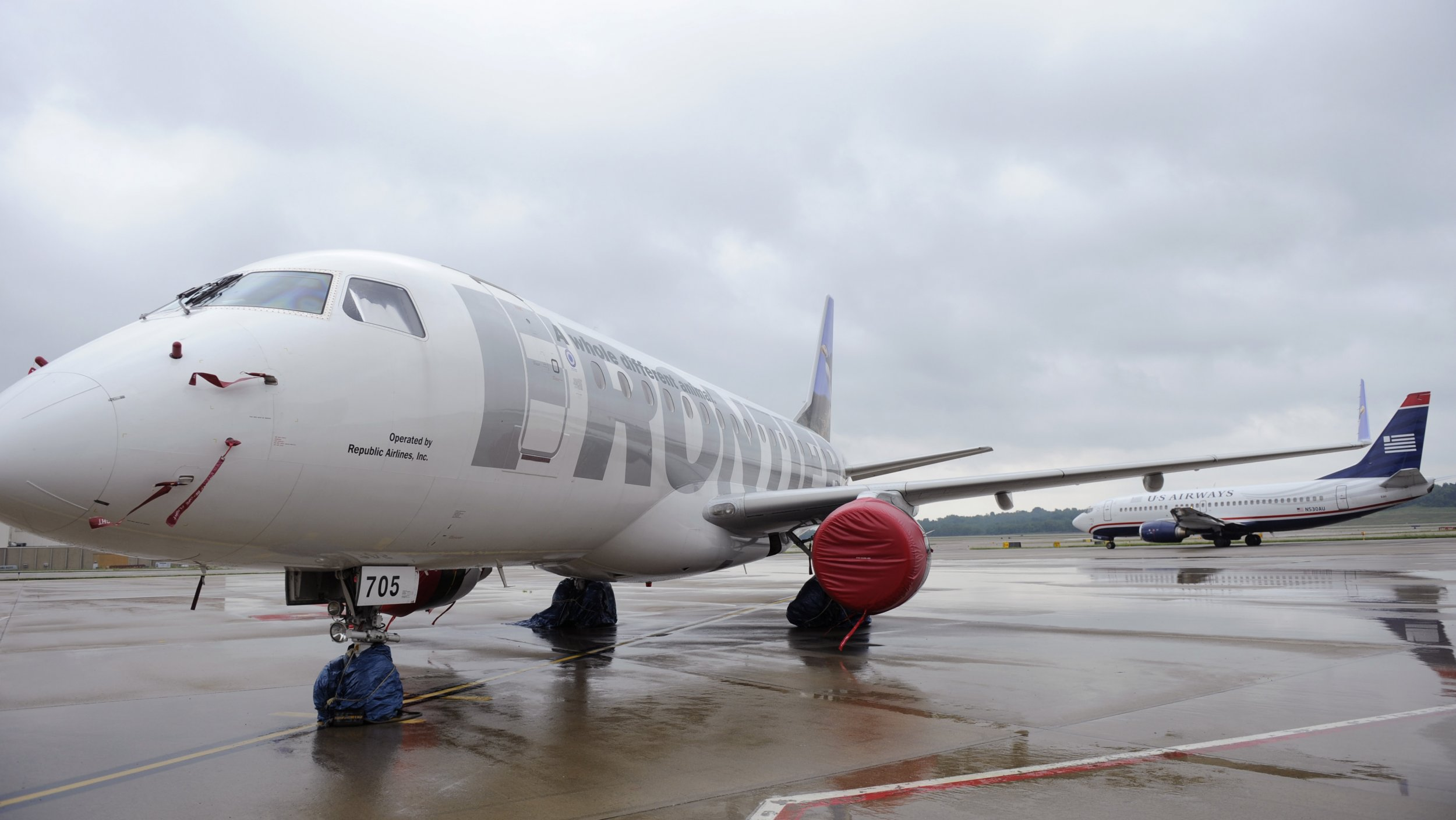frontier airlines passengers hospitalized mysterious odor