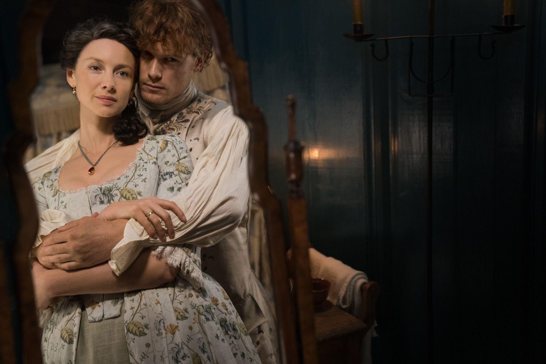 Caitriona Balfe (Claire Randall Fraser), Sam Heughan (Jamie Fraser)- Outlander S4