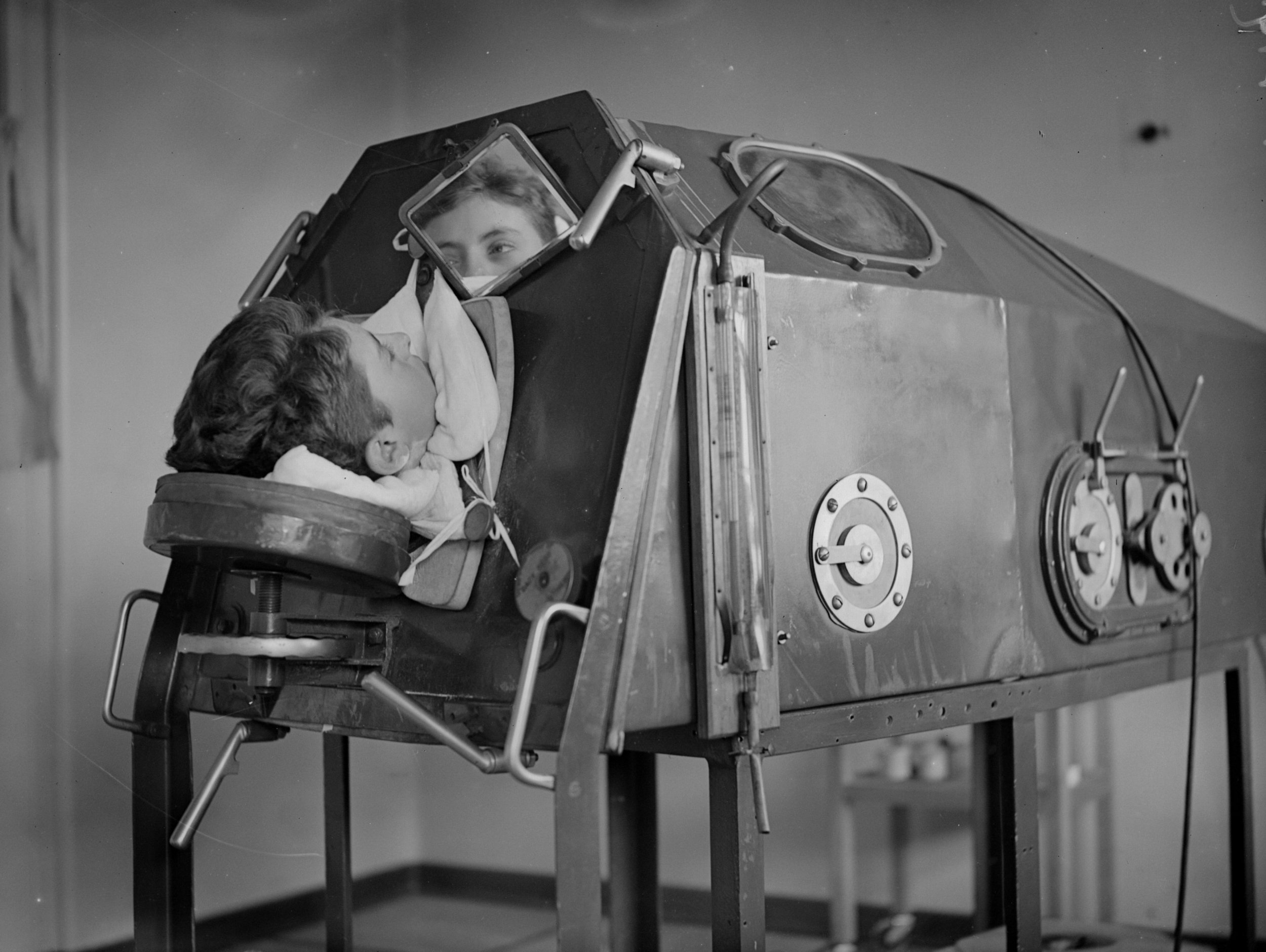 iron-lung-getty-images