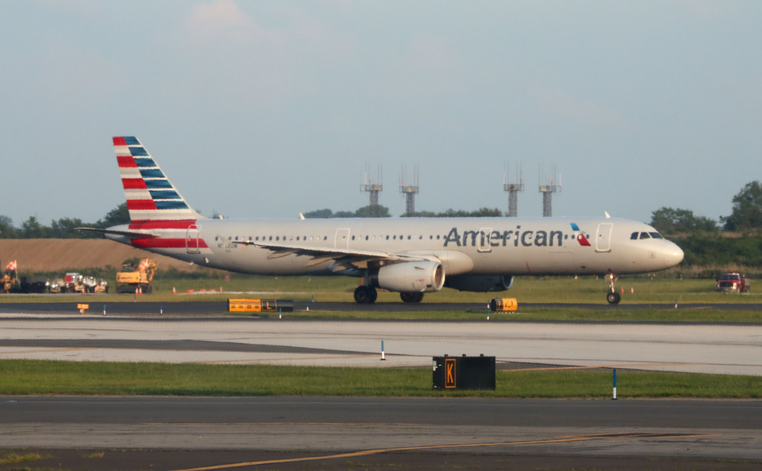 08_23_American-Airlines