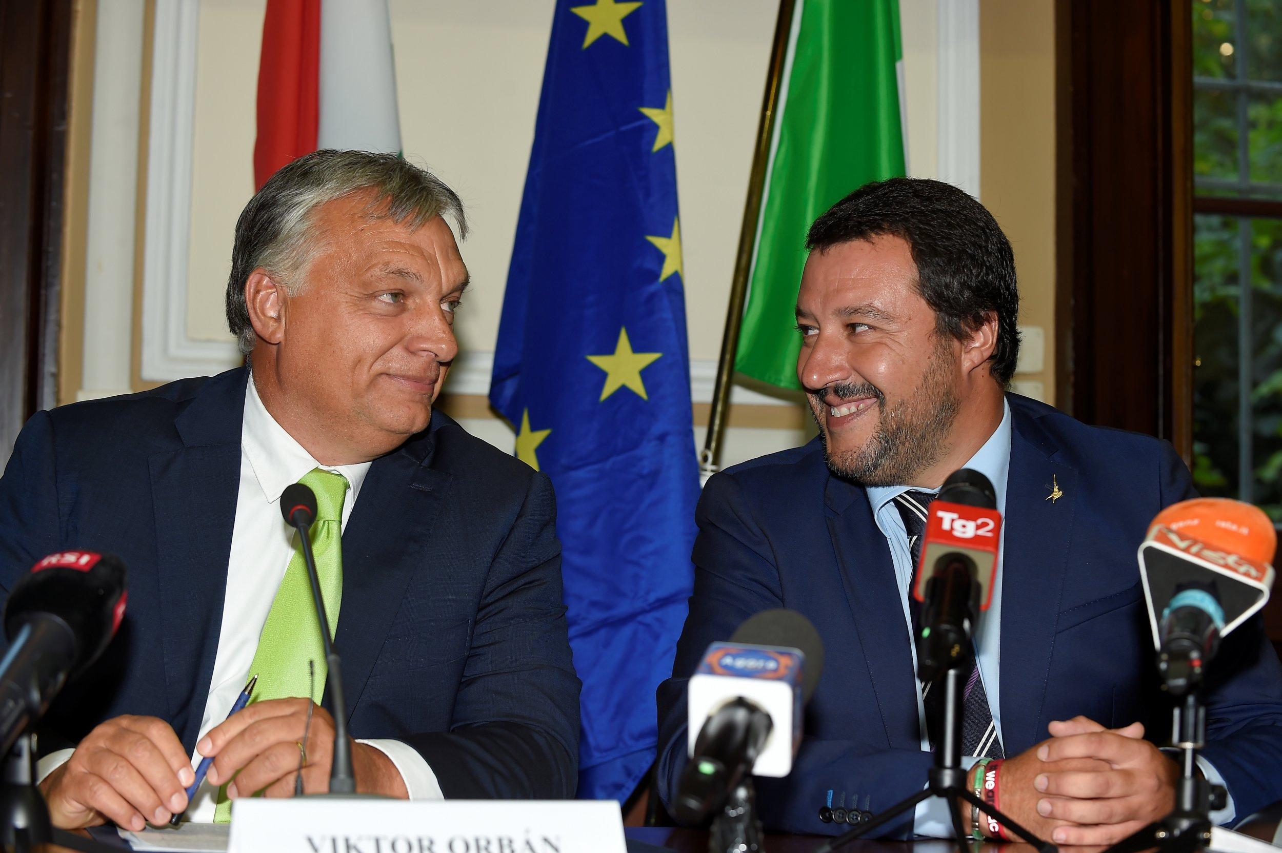 2018-08-28T194910Z_1_LYNXNPEE7R1HC_RTROPTP_4_ITALY-HUNGARY