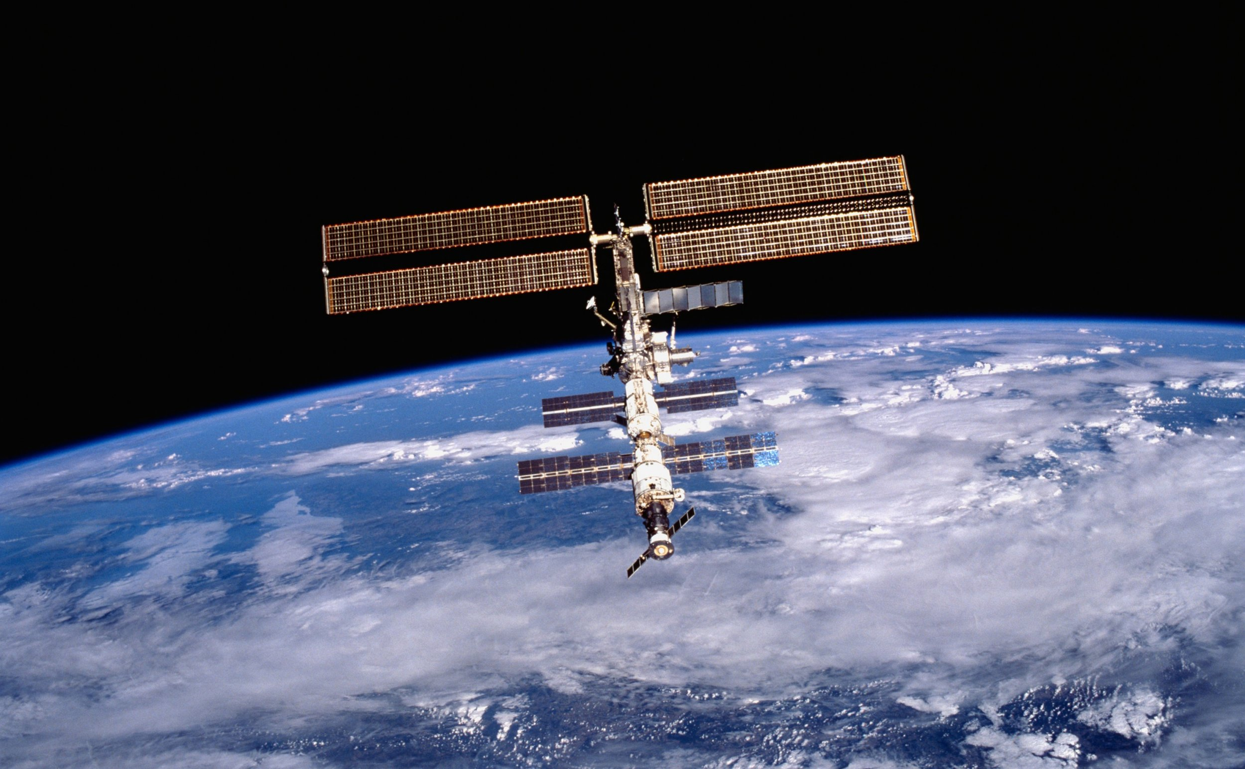 Russia Cuts Off U.S. Access to ISS, Pledges to Stop