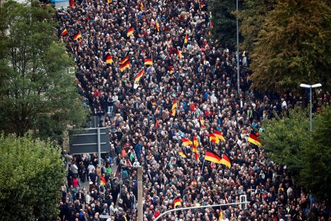 2018-09-01T192200Z_2_LYNXNPEE802M7_RTROPTP_4_GERMANY-PROTESTS