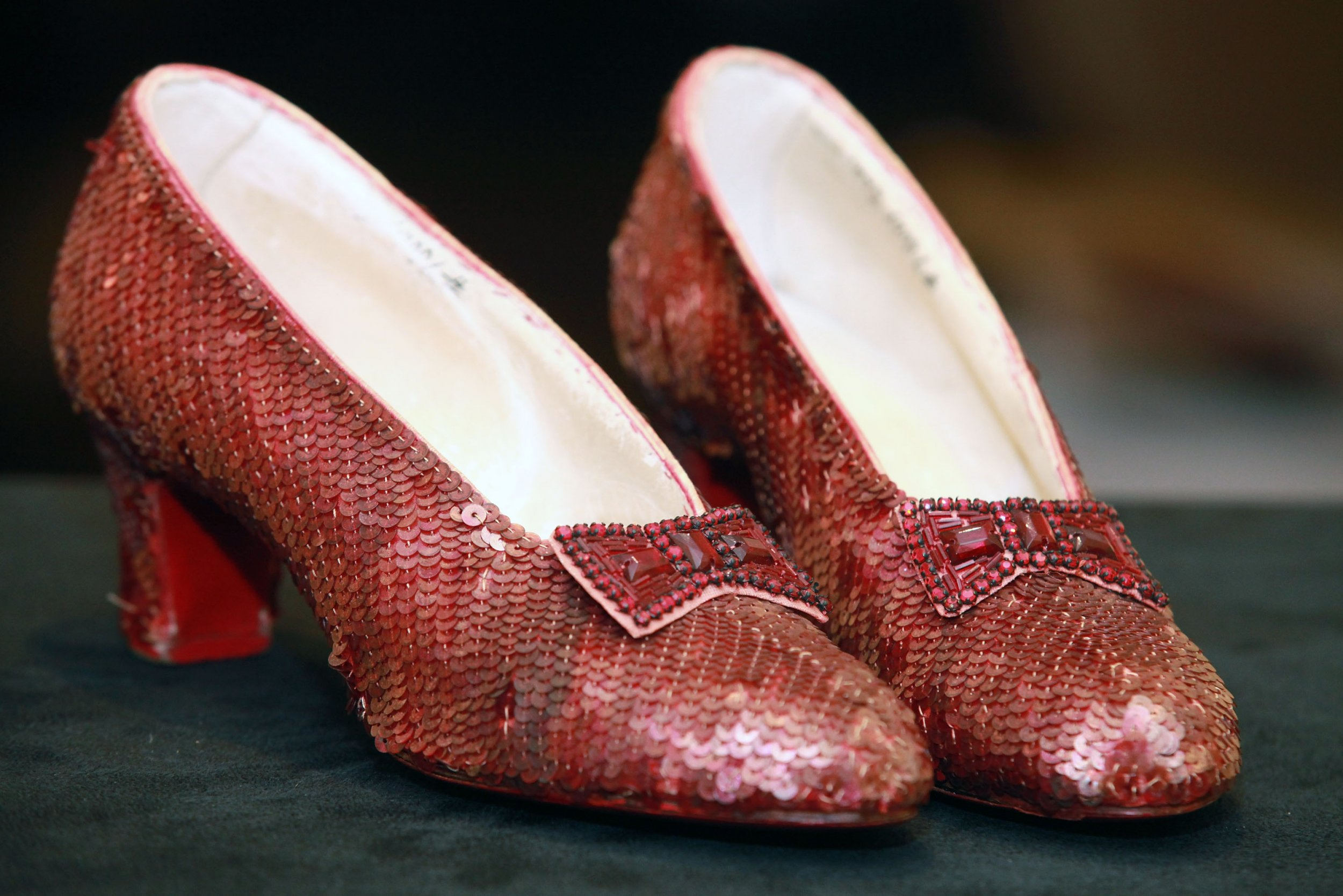 kno dorothys ruby slippers - HD2500×1668