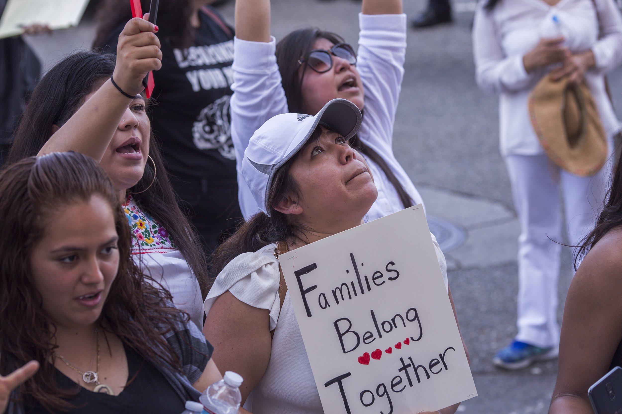 Trump administration detain migrant children