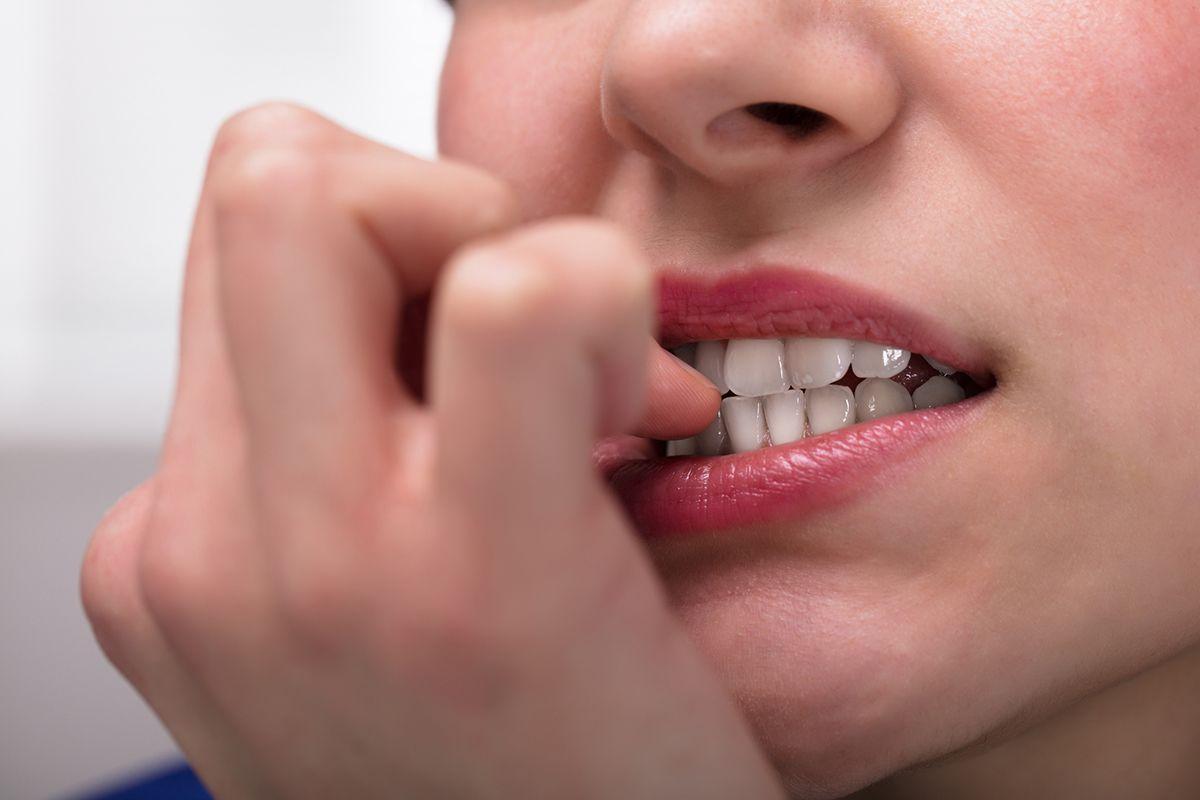 nail-biting-stock