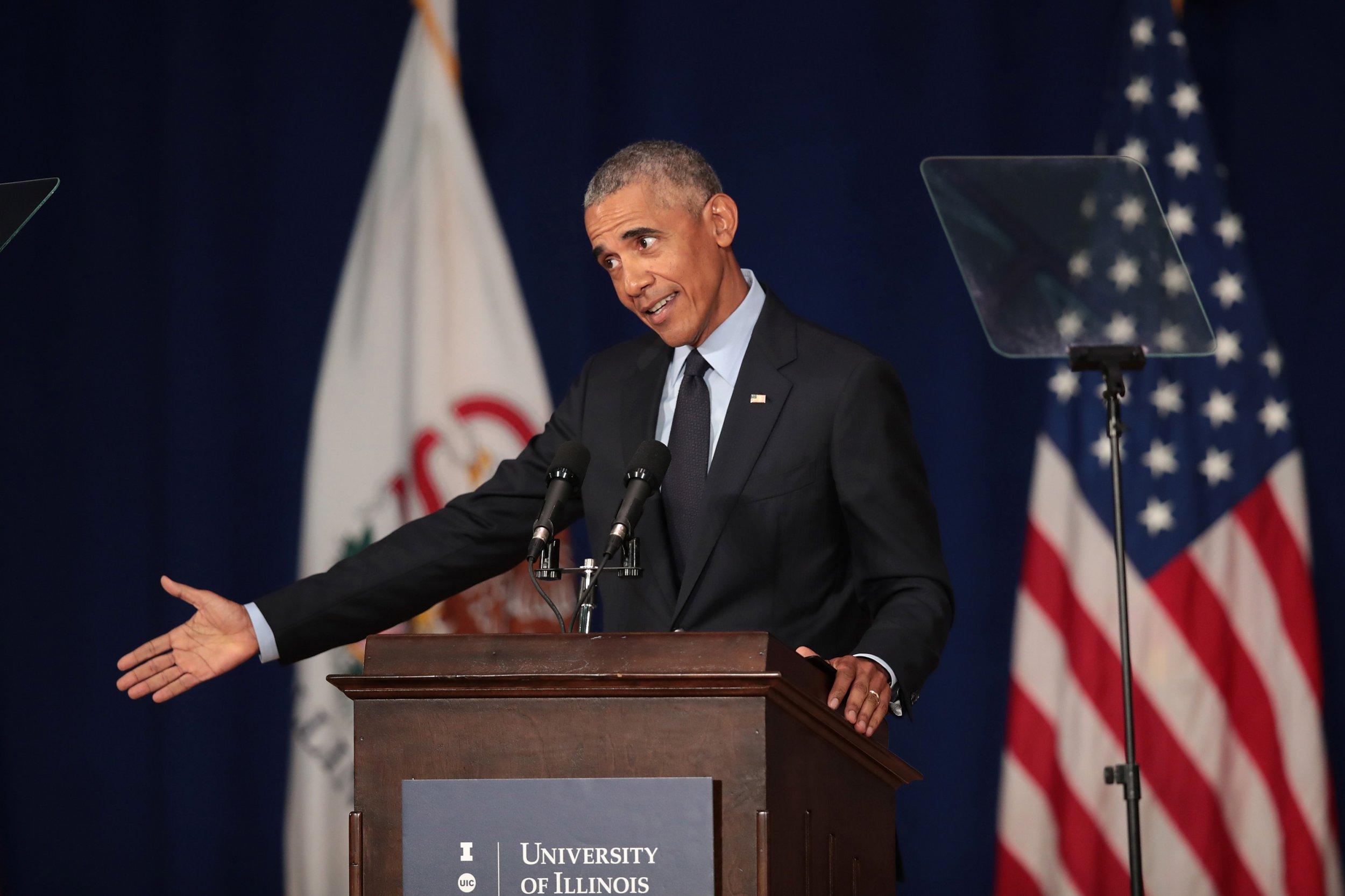 09_07_18_ObamaTrump