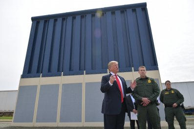 Trump Prepared to Use Military to Build Border Wall, Won't Rule Out Government Shutdown