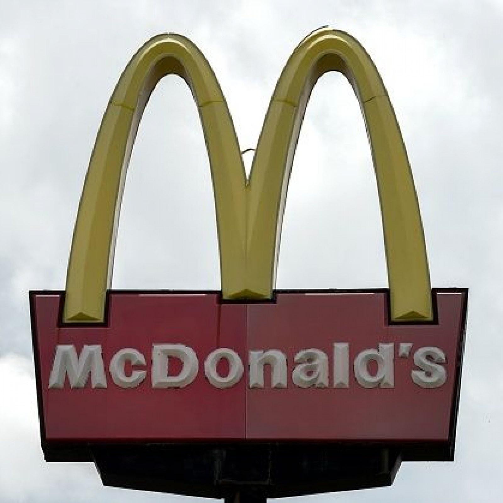 Auburn University Shooting at McDonald's Kills One Man, 4