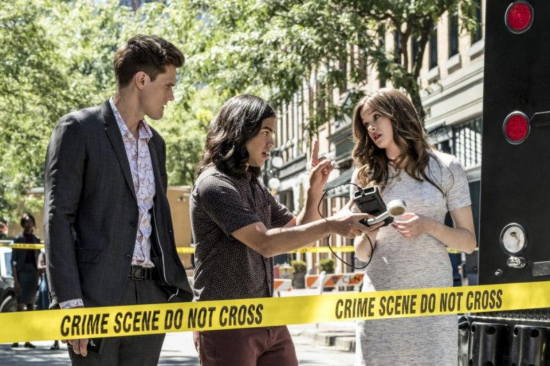 Ralph Cisco caitlin the flash season 5 episode 1 nora