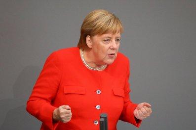2018-09-12T154344Z_2_LYNXNPEE8B0L1_RTROPTP_4_GERMANY-POLITICS-MERKEL