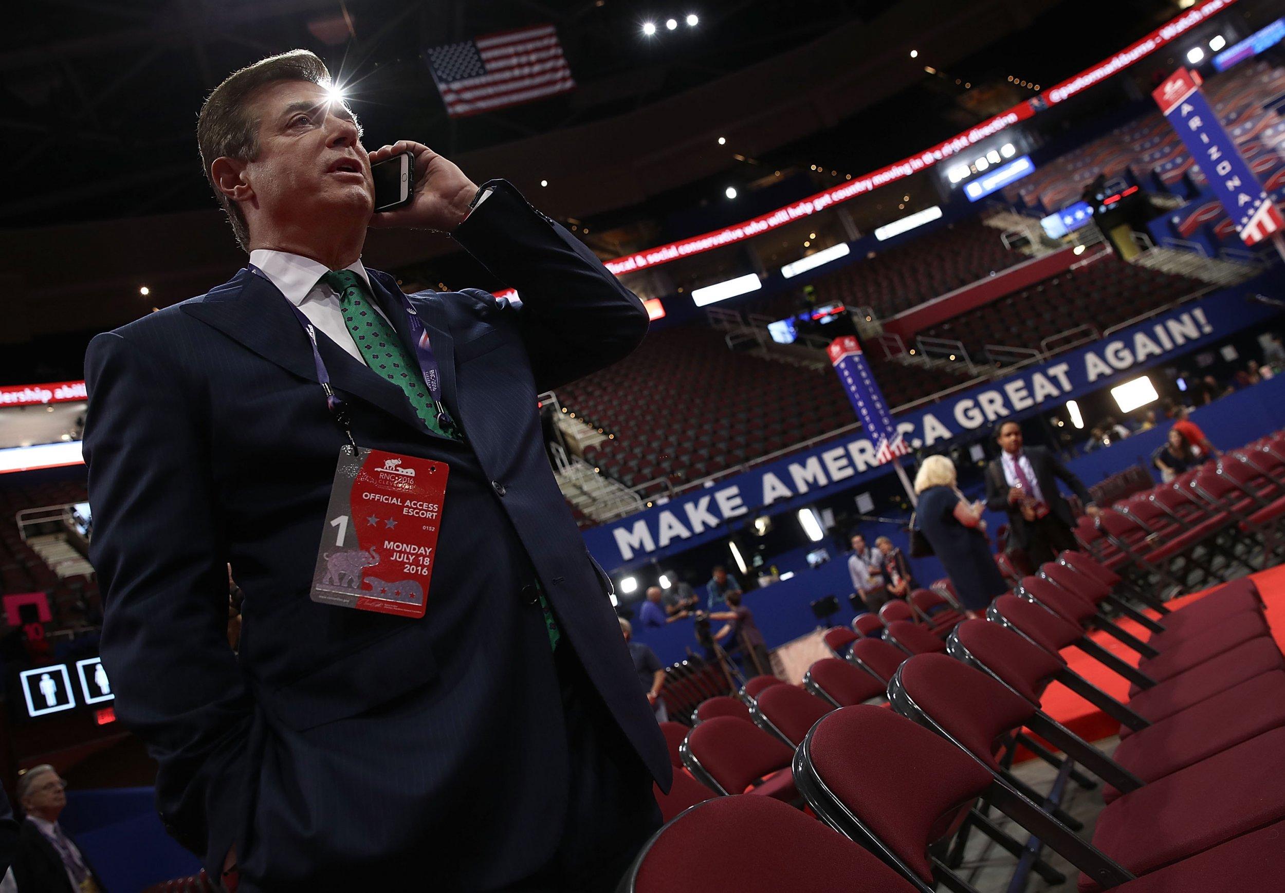 Manafort, Mueller, Tell, Trump, Russia