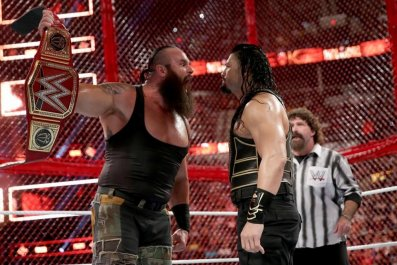 braun strowman vs roman reigns hiac 2018 belt