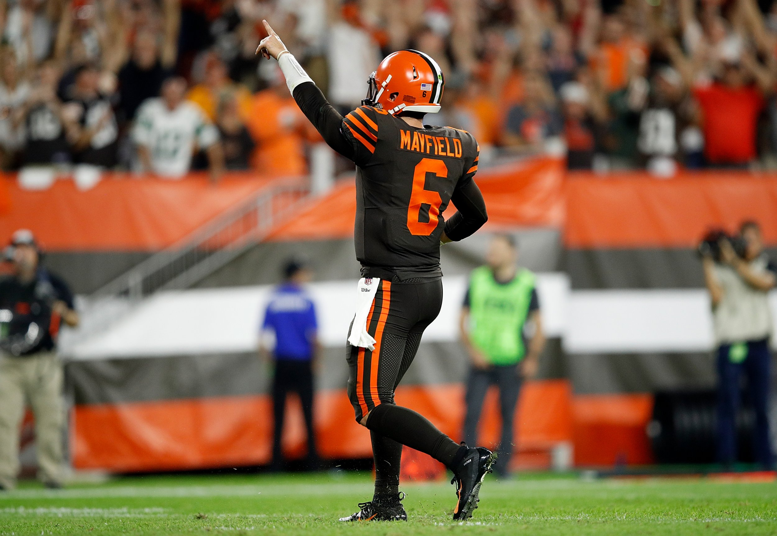 2d466bd65 Baker Mayfield Leads Browns to First Win in 635 Days