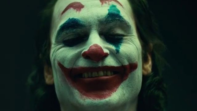 Joaquin-Phoenix-Joker-makeup movie first look dc
