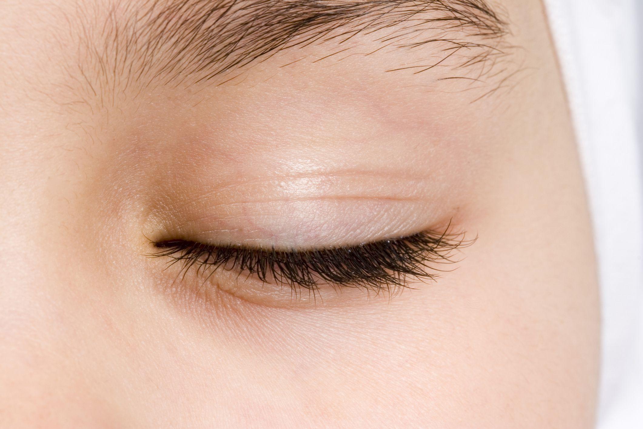 blink-eyes-stock