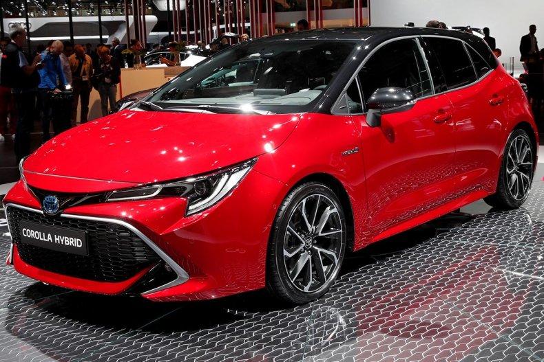 Toyota Corolla Hybrid 2018-10-02T121152Z_32599100_RC1D6470E5E0_RTRMADP_3_AUTOSHOW-PARIS