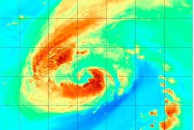 tropical storm leslie path