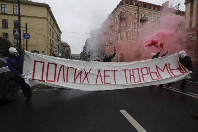 2018-10-07T122738Z_836481789_UP1EEA70YM133_RTRMADP_3_RUSSIA-PUTIN-BIRTHDAY-PROTESTS