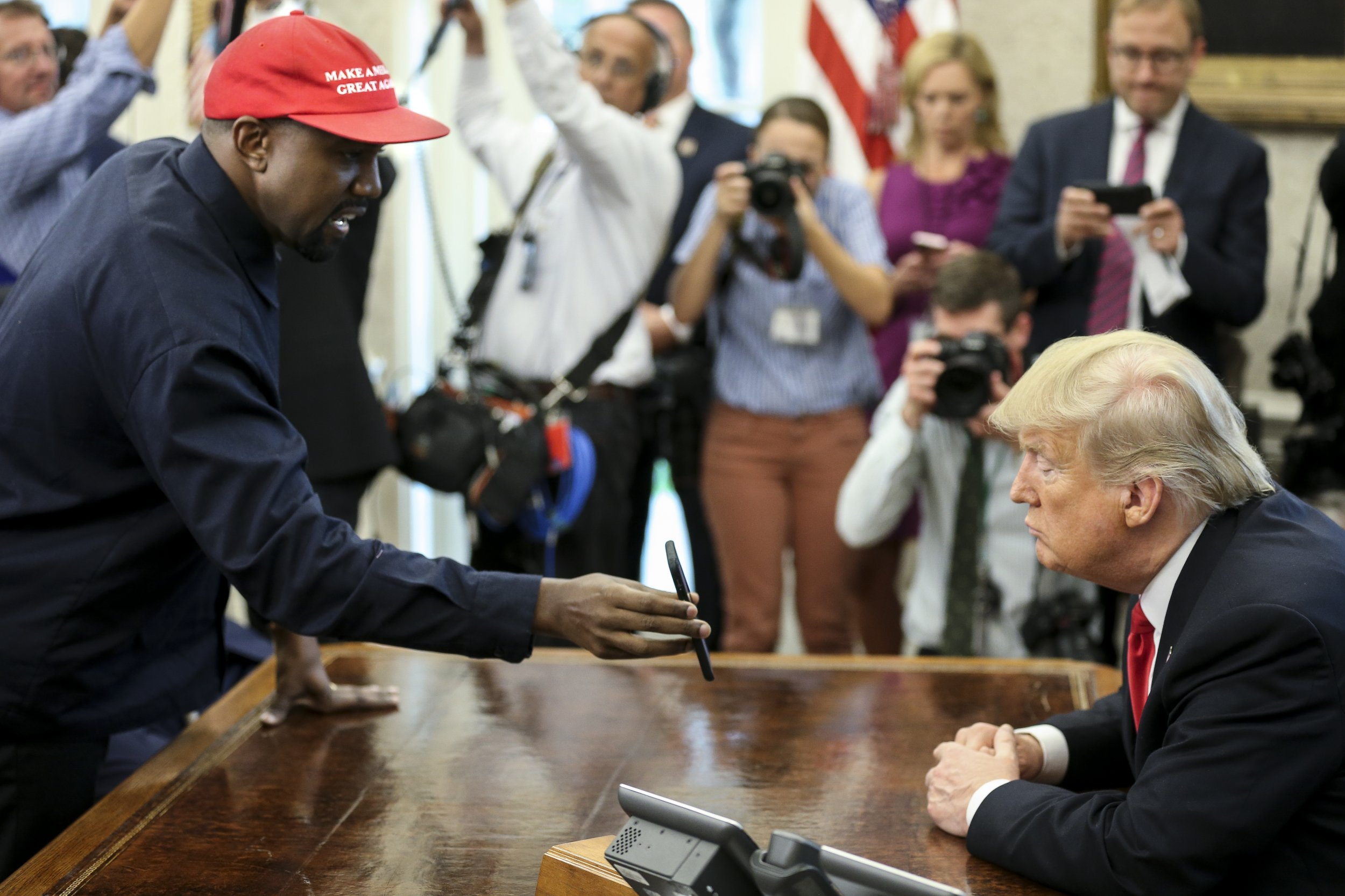 Kanye West accidentally reveals to world his iPhone password is 000000
