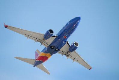 southewest airlines plane diverts to albuquerque
