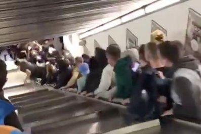 1_Escalator-collapse-at-Metro-in-Rome