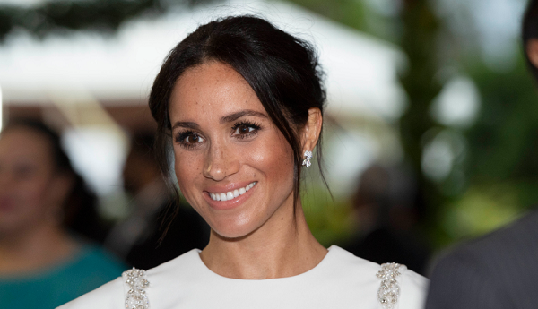 How Meghan Markle's Dress Designer Knew She Was Pregnant