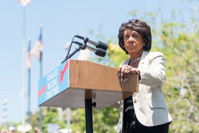 maxine waters, donald trump, bomb threat