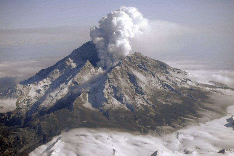 10_26_Redoubt Volcano